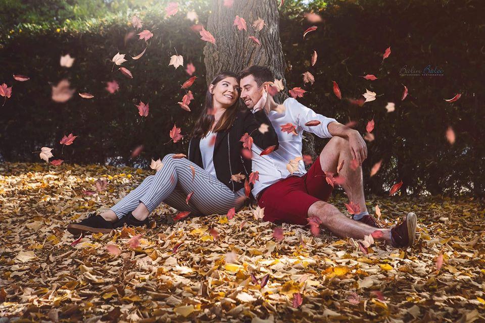 Снимка на влюбена двойка за статия Как се прави съвременен годеж